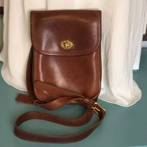 Vintage Coach brown Leather Crossbody/ Camera Bag